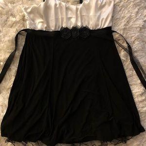 SZ 16 Evening Cocktail Dress Black & White Lined